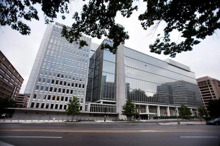 Vista exterior de la sede del Banco Mundial (BM), el miércoles 18 de mayo de 2011 en Washington DC, Estados Unidos. EFE/Archivo