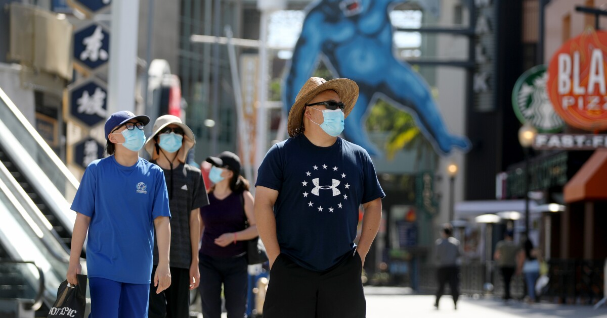Fine mask refusers, but only after leaders set an example