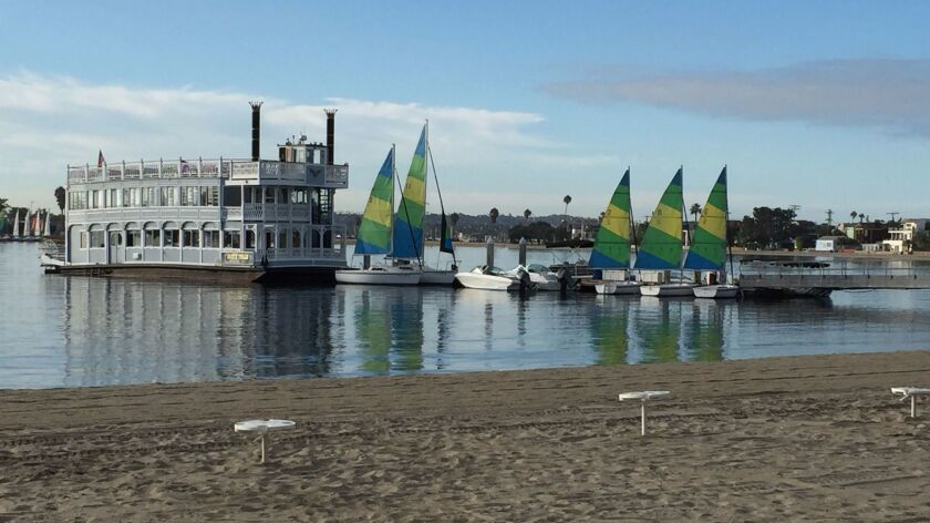 Sternwheeler tours Mission Bay with dinner cruises between the Bahia Resort Hotel (where it is based