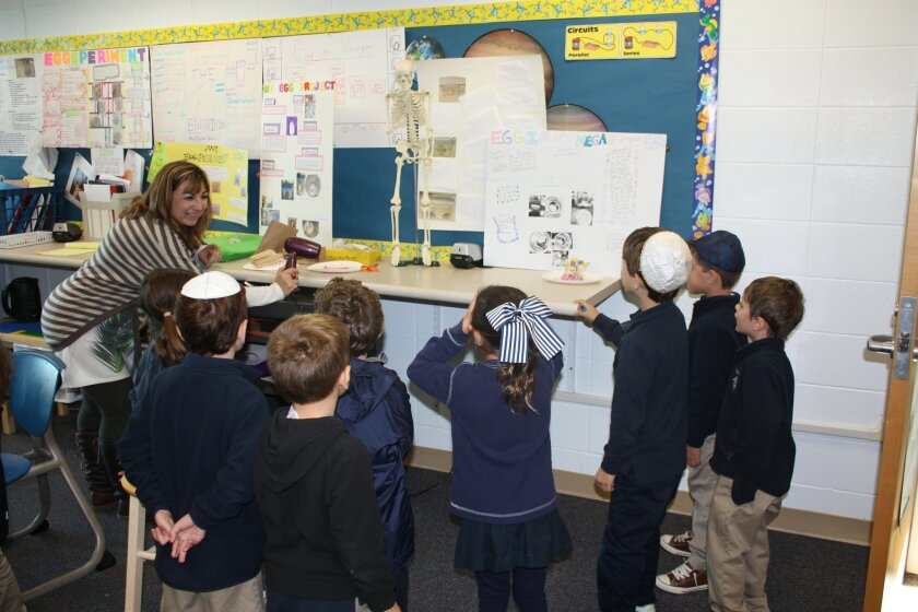 San Diego Jewish Academy's kindergarten class applied STEM concepts to the story of the Three Little Pigs.