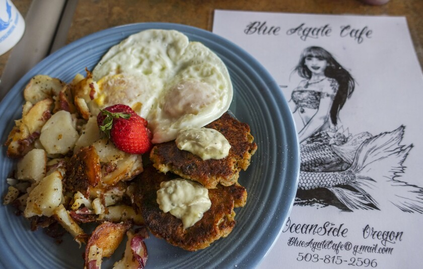 We enjoyed a hearty breakfast every morning at the Blue Agate Cafe, in Oceanside, known for their crab cakes and ocean views.
