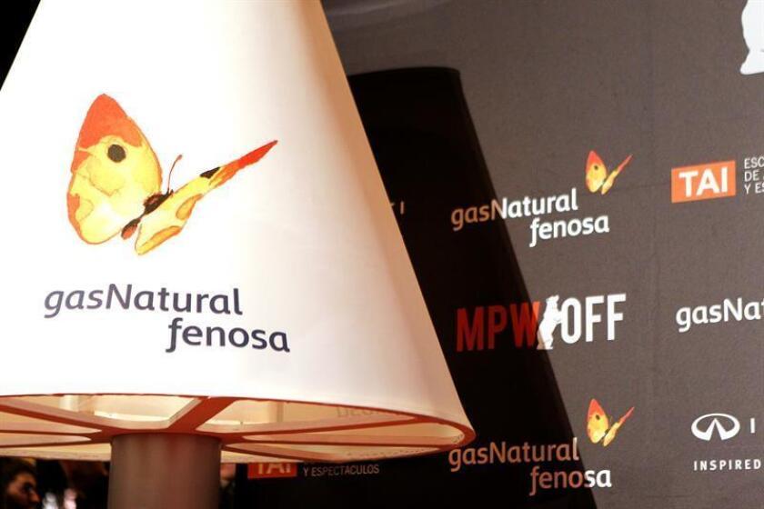 Lámpara con el logo de 'Gas Natural Fenosa'. EFE/Archivo