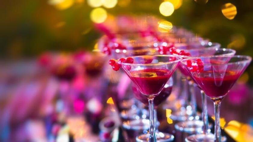 pac-sddsd-holiday-martinis-garnished-wit-20160820