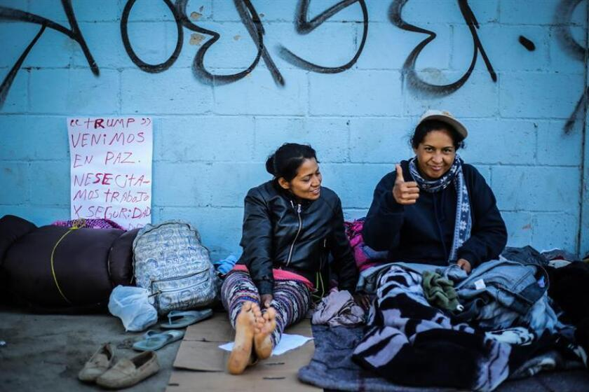 Migrants remain in a shelter in the city of Tijuana, Mexico, 26 November 2018. Mexico deported 98 migrants who allegedly staged a brawl on Sunday breaking a fence of the Federal Police in the city of Tijuana with the desire to cross the border with the United States, reported the National Institute of Migration (INM). EPA/EFE/DAVID GUZMAN/