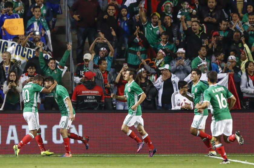 La selección mexicana de futbol tendrá un movido 2017...
