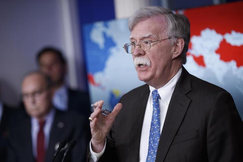 El asesor de seguridad nacional John Bolton habla durante una conferencia de prensa en la sala Brady de la Casa Blanca este lunes en Washington, DC (EE. UU.). EFE/Archivo
