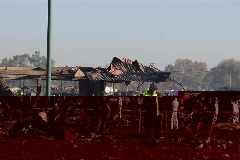Los muertos por la explosión en el mercado de pirotecnia de Tultepec, en el central Estado de México, aumentaron a 39 con el fallecimiento de tres de los heridos todavía hospitalizados, informaron hoy las autoridades. EFE/ARCHIVO