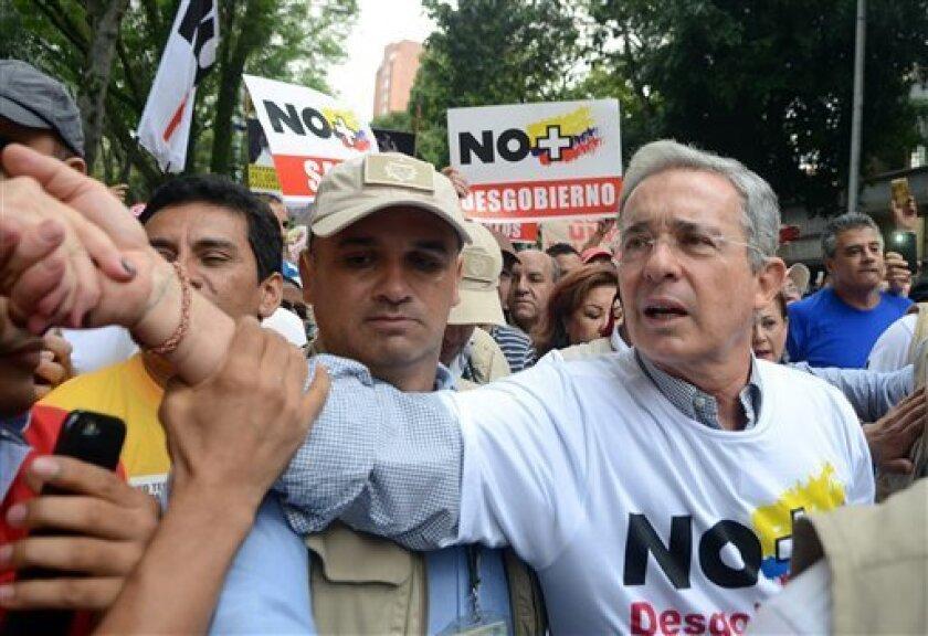 Se lo presenta como un acuerdo de paz histórico llamado a poner fin al conflicto armado más antiguo de América Latina. Pero todavía hay que sortear un obstáculo: un referendo nacional programado para el 2 de octubre en el que los colombianos tendrán la oportunidad de hacerse escuchar.