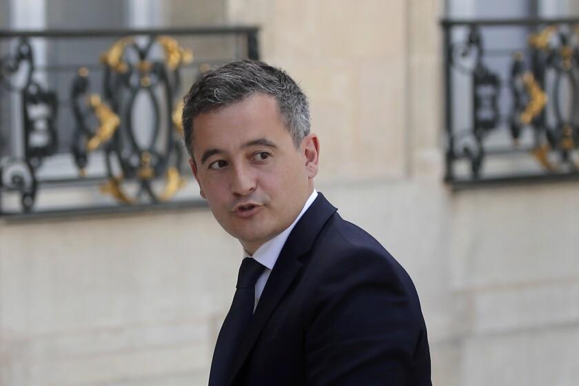 El recién nombrado ministro francés del Interior, Gerald Darmanin, llega al Palacio del Elíseo para la reunión semanal del gabinete, en París, Francia, el martes 7 de julio de 2020. (AP Foto/François Mori)