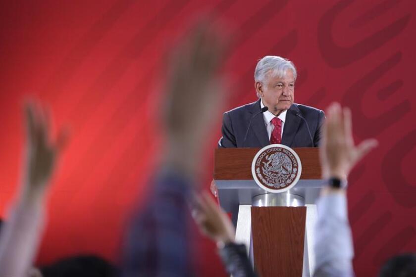 El presidente de México, Andrés Manuel López Obrador, habla en rueda de prensa este martes, en el Palacio Nacional de Ciudad de México (México). EFE