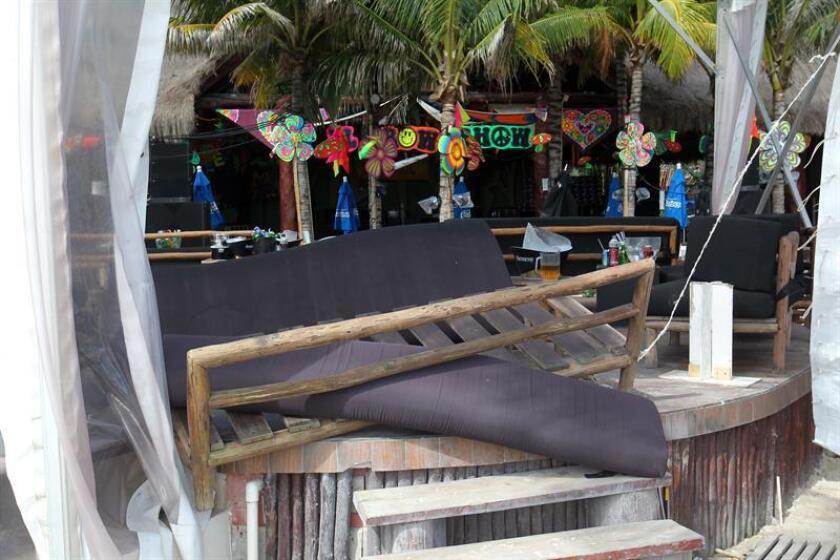El fiscal del estado de Quintana Roo, Miguel Ángel Pech, informó hoy de la detención del taxista que presuntamente ayudó a escapar al atacante de una discoteca de Playa del Carmen, en el Caribe mexicano, en la que el lunes murieron cinco personas y otras 15 resultaron heridas. EFE