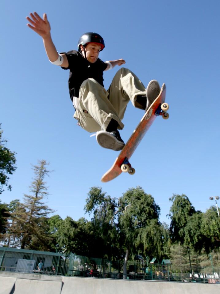 Photo Gallery: Burbank BMX/Skate Park action