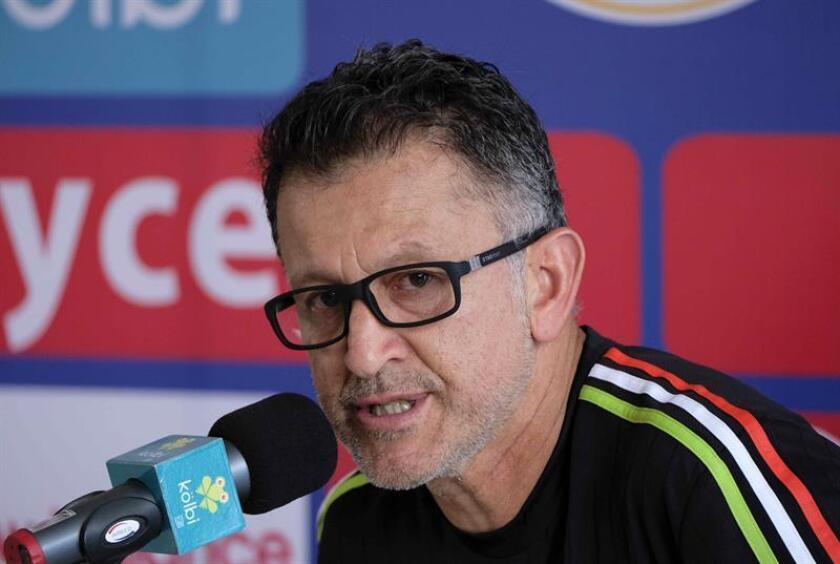 En la imagen, el director técnico de la selección de fútbol de México, Juan Carlos Osorio. EFE/Archivo