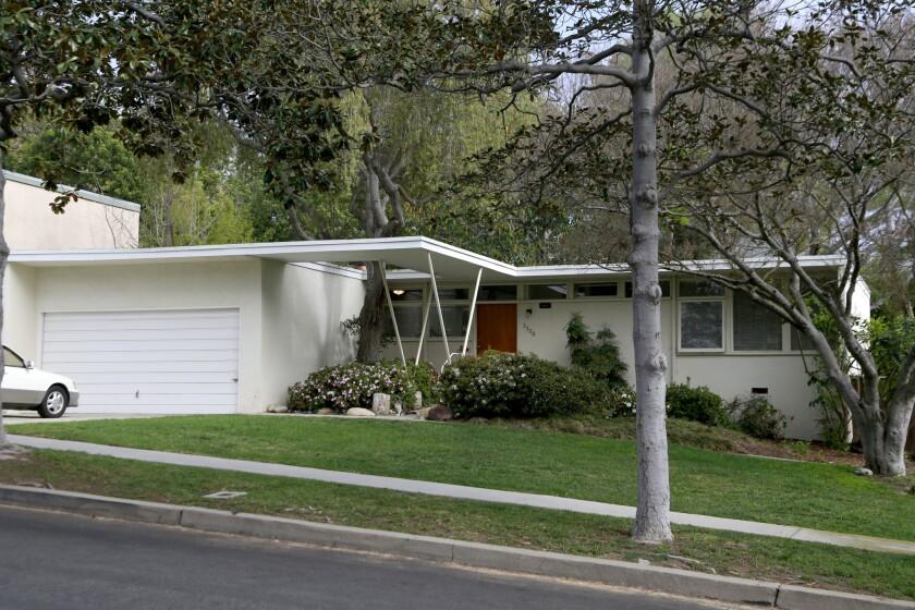 MAR VISTA, CA - FEBURARY 29, 2016 -Neighborhood Spotlight on Mar Vista / for Hot Prop. Need a photo
