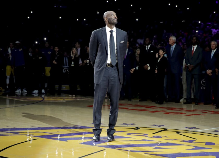 En esta foto del 18 de diciembre del 2017, el exescolta de los Lakers de Los Angeles Kobe Bryant durante una ceremonia en Los Angeles.