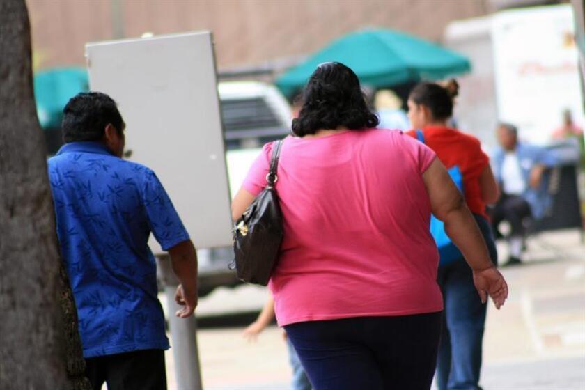 Los distintos estigmas que persiguen a las personas con obesidad, la incomprensión de la sociedad y la sensación de soledad favorecen su aumento de peso, dijo hoy a Efe Flavia Robles, una paciente que ha logrado superar esta enfermedad. EFE/Archivo