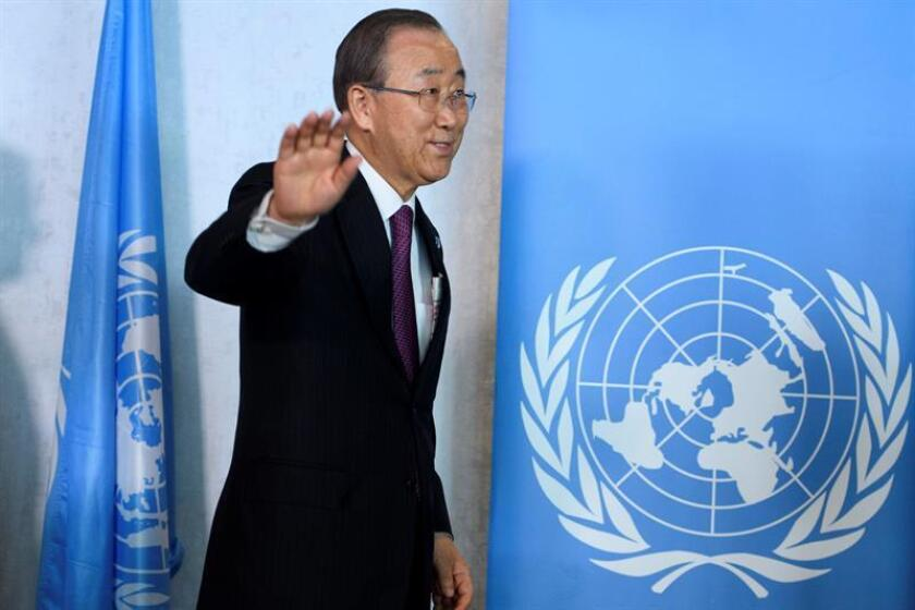 """El secretario general de la ONU, Ban Ki-moon, se despidió hoy de Naciones Unidas con un mensaje en el que destacó que durante su mandato, de diez años, nunca dejó de soñar y siempre trabajó """"como una voz de los sin voz"""". EFE/ARCHIVO"""