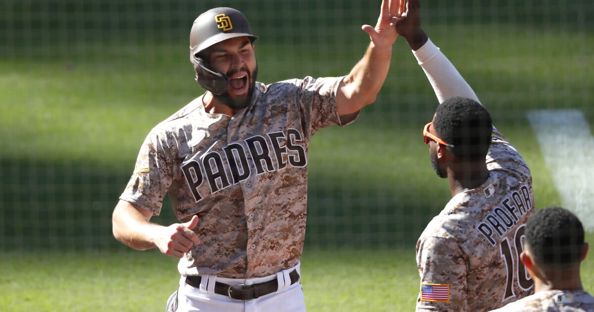 Padres' Eric Hosmer has settled into just being himself