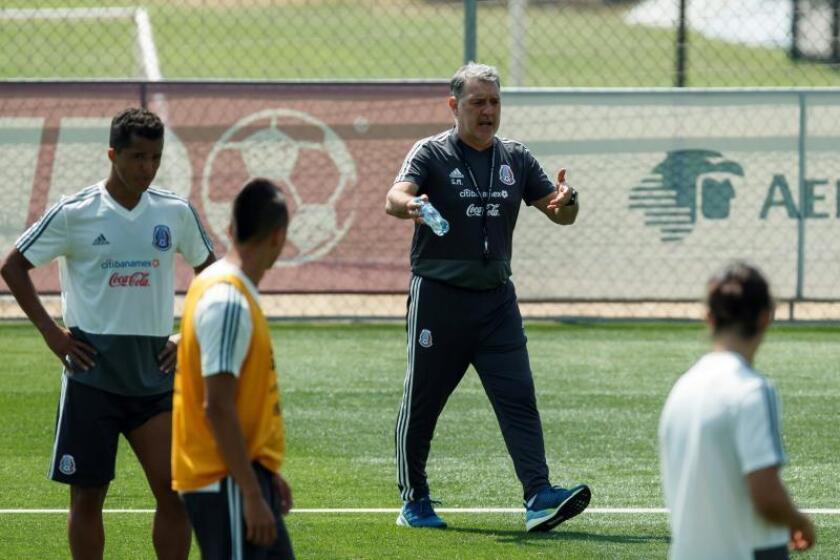 La selección mexicana viaja a Atlanta previo a su participación en la Copa Oro