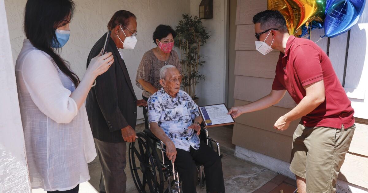 Mira Mesa man, 109, celebrates Centenarians Day with a yard party