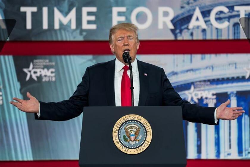 El presidente estadounidense, Donald J. Trump, pronuncia su discurso durante la 45ª Conferencia anual de Acción Política Conservadora (CPAC),en el Gaylord National Resort & Convention Center de National Harbor, Maryland (Estados Unidos) hoy, 23 de febrero de 2018. EFE
