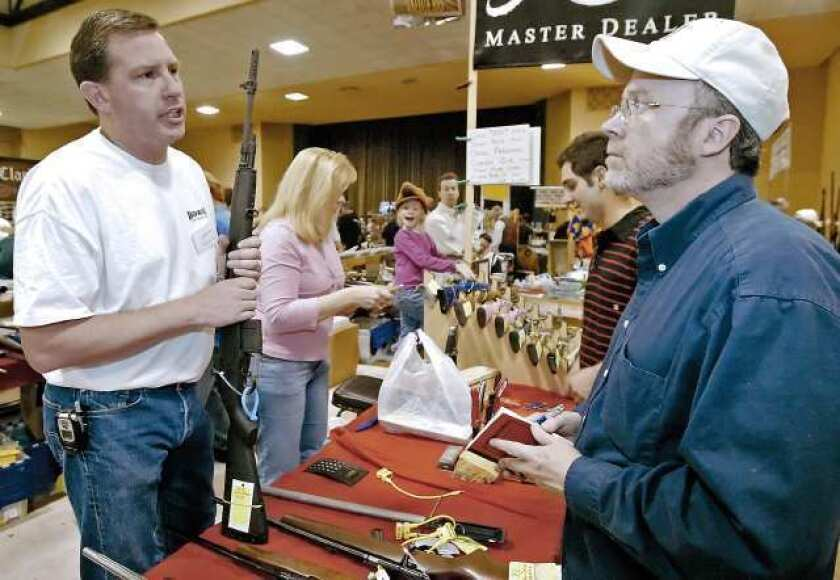 Glendale prepares for large crowd at March gun show