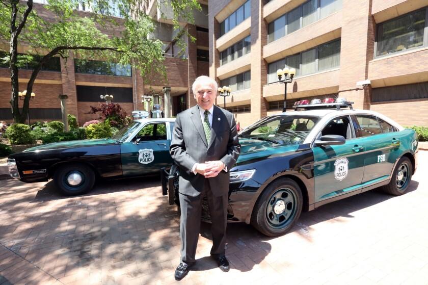 Bill Bratton, ex-LAPD chief, on George Floyd, the cops