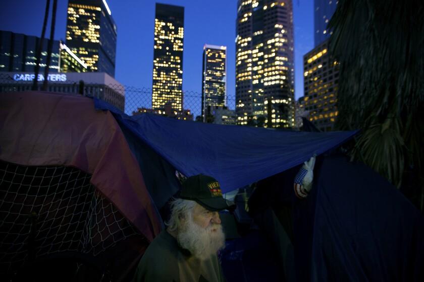 3034974_la-me-lopez-homeless_06.FO.jpg