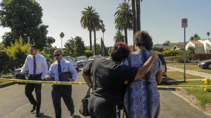 """El tiroteo se produjo la mañana del sabábado en un restaurante jamaicano del distrito de West Adams, donde había congregadas unas 50 personas, según informa el diario """"Los Ángeles Times""""."""