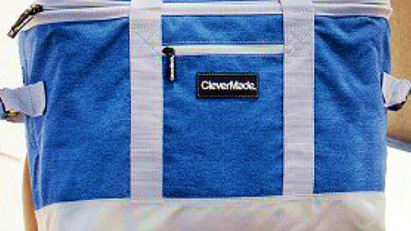 CleverMade SnapBasket Cooler has double carry straps and end handles for easier toting and hoisting.