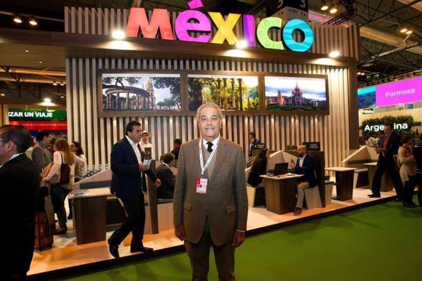 El secretario de Turismo de Jalisco, Jesús Enrique Ramos Flores, durante la entrevista con EFE hoy en el estand de la Feria Internacional de Turismo (Fitur) de Madrid, que se celebra hasta el 21 de enero. EFE