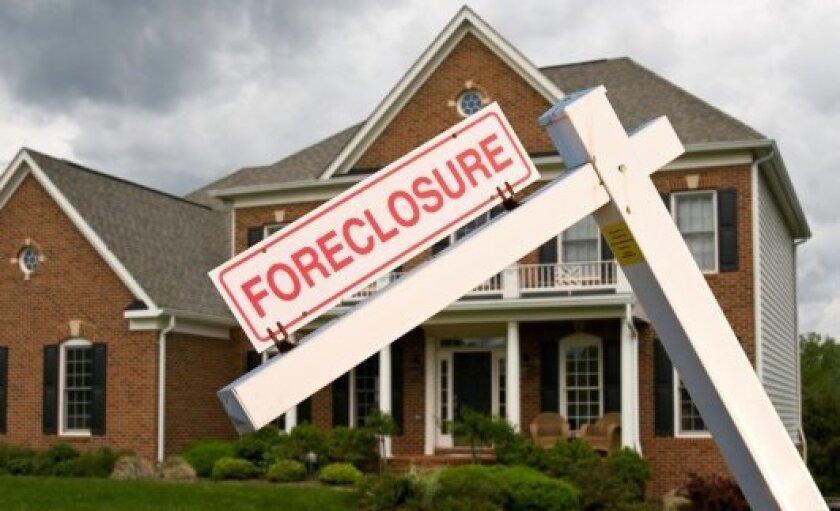 foreclosure-10.2013-thinkstock