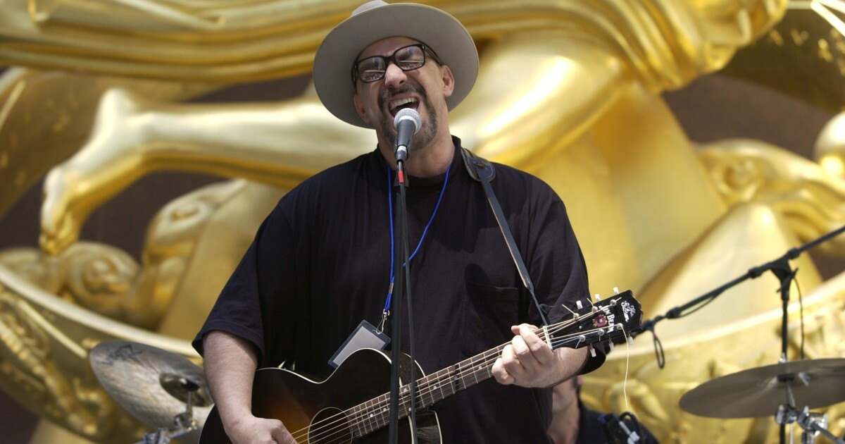 Pat Dinizio Of The Smithereens Dies At 62 The San Diego Union