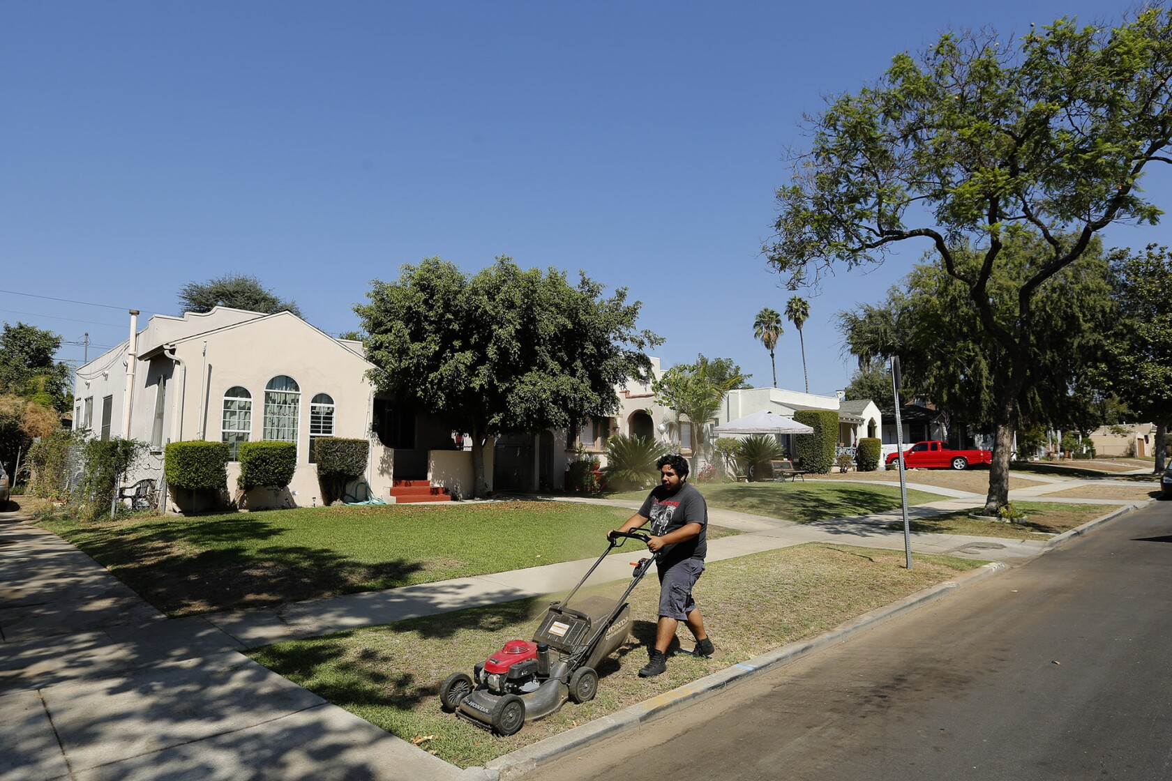 Tenants worry as Caltrans prepares to sell homes along 710 Freeway