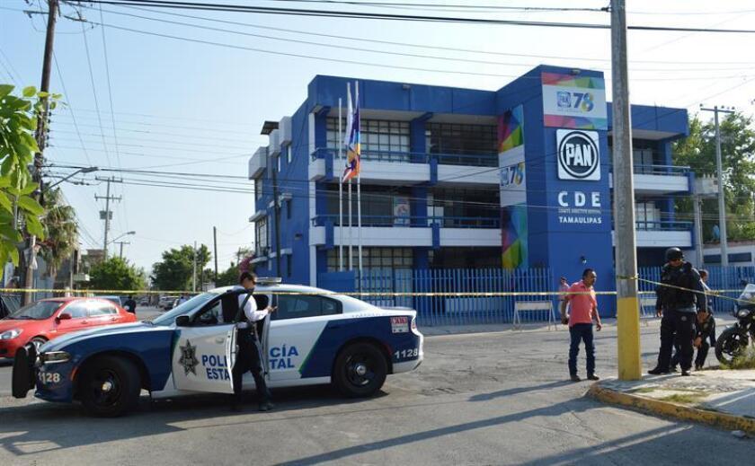 Vista general del edificio de la sede del Comité Directivo Estatal del PAN al que desconocidos armados dispararon hoy, jueves 7 de junio de 2018, en Ciudad Victoria, en el estado de Tamaulipas (México). Las autoridades no reportan heridos. EFE/STR