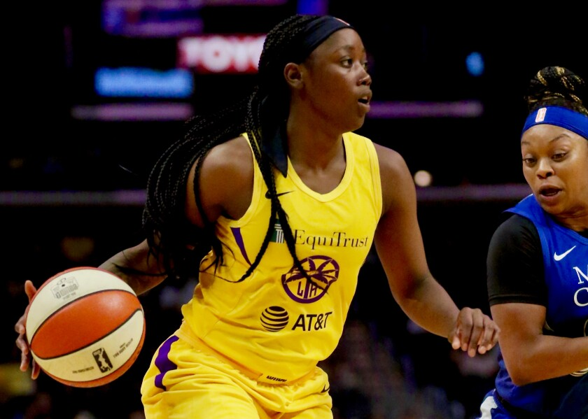 Alexis Jones scored 15 points in the first half to help propel the Sparks to an 81-71 victory over the Minnesota Lynx at Staples Center on Tuesday.