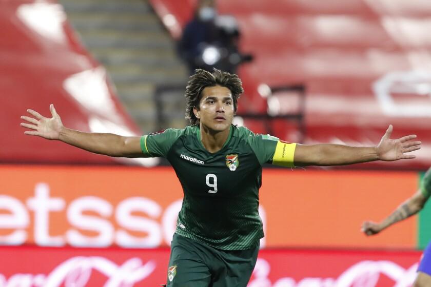 Marcelo Martins, de Bolivia, celebra luego de anotar el gol del empate ante Chile