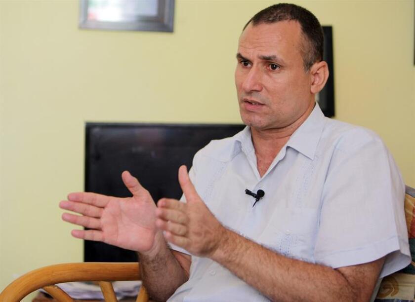 """El opositor cubano José Daniel Ferrer, líder de la Unión Patriótica de Cuba (Unpacu), se comunicó hoy por teléfono con periodistas asistentes a una rueda de prensa en Miami para anunciar que fue puesto en libertad y denunciar que sufrió """"torturas psicológicas"""" durante su detención. EFE/Archivo"""