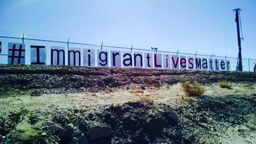 Foto de las redes sociales de #ImmigrantLivesMatter!!