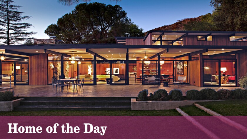 Home of the Day: Modern Elegance in La Cañada Flintridge