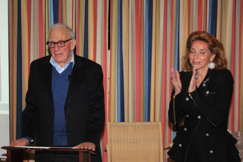 Riford Center board member Reena Horowitz welcomes Scripps Oceanographer Walter Munk to the podium.