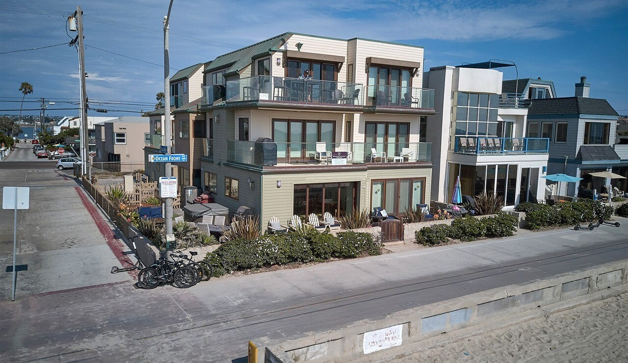 Home of the Week, 3593 Ocean Front Walk, Mission Beach