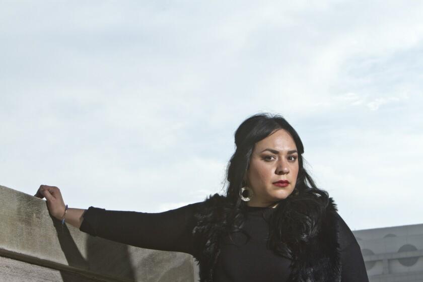 La cantautora mexicana Carla Morrison practica un estilo musical apacible, pero ha sido una de las artistas musicales más críticas en lo que respecta al gobierno de Donald Trump.