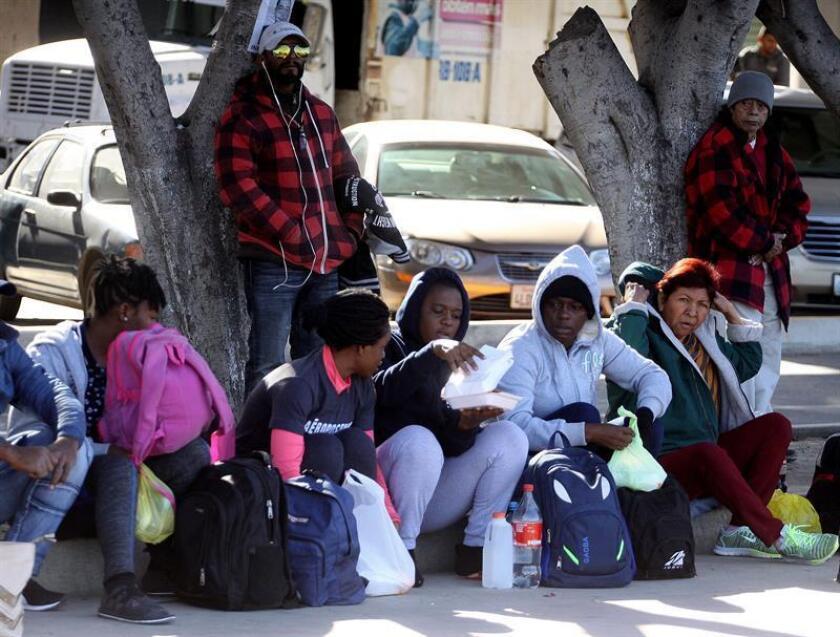 El principal destino de los migrantes en tránsito por suelo mexicano sigue siendo Estados Unidos con 64,68 %, seguido por México con 13,67 %, reveló hoy un informe de la Red de Documentación de Organizaciones Defensoras de Migrantes (Redodem), que detectó un aumento de los delitos contra estas personas. EFE/ARCHIVO