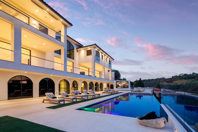The three-story Unica estate