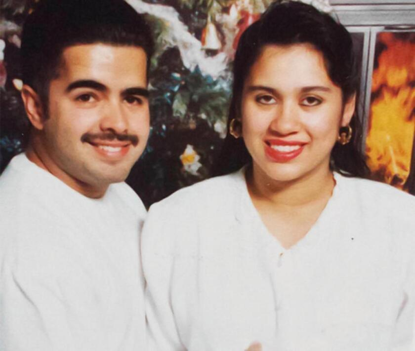 Daniell Crespo, concejal de Bell Gardens y su esposa Lyvette Crespo.