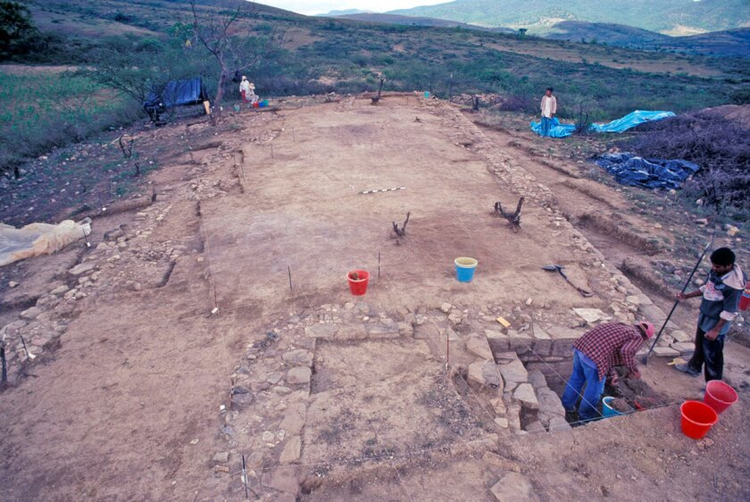 Oaxaca temple complex hints at archaic Mexican state