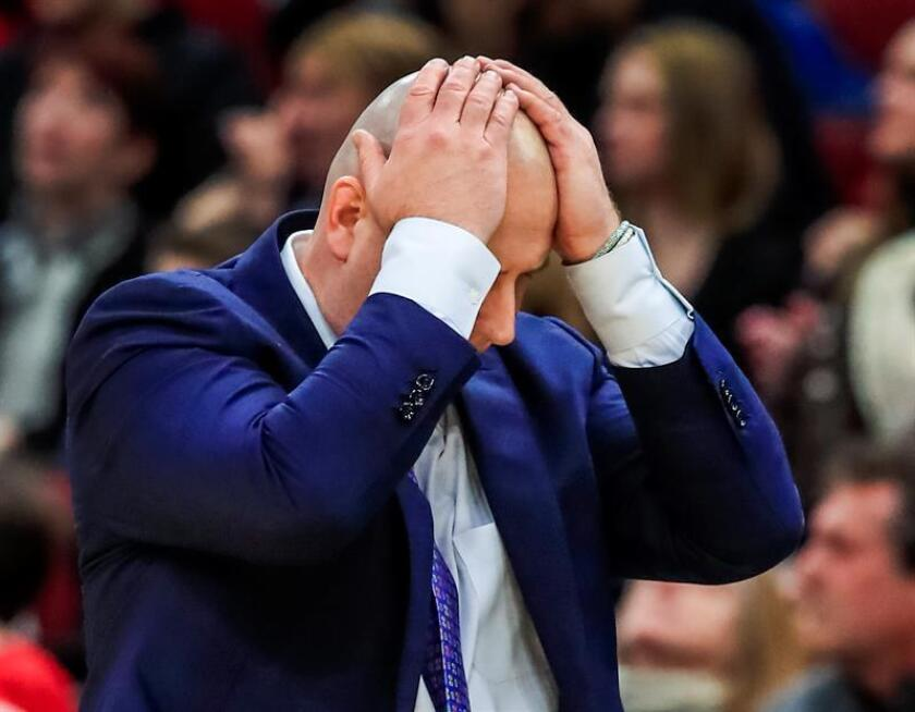 Chicago Bulls head coach Jim Boylen reacts after the Bulls committed a shot clock violation during the NBA game between the Los Angels Clippers and the Chicago Bulls at the United Center in Chicago, Illinois, USA, Jan.25, 2019. EPA-EFE/TANNEN MAURY SHUTTERSTOCK OUT