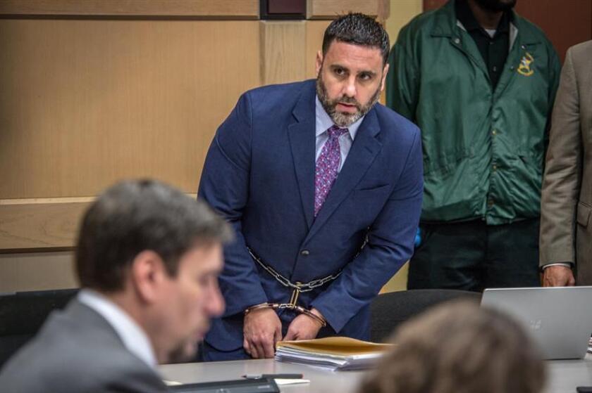El hispano-estadounidense Pablo Ibar (c) llega hoy, lunes 7 de enero de 2019, a la Corte Estatal de Florida en Fort Lauderdale, Florida (EE.UU.). EFE