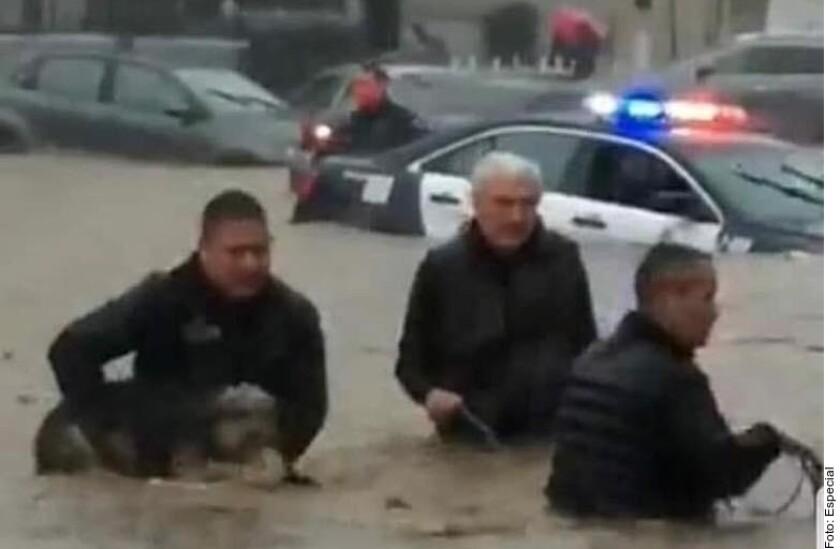 En Tijuana, los agentes también lograron rescatar a una mascota.